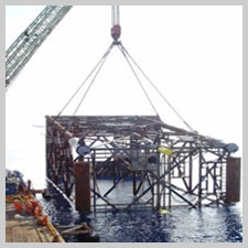 Crane Lifting Structure from sea